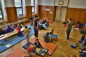 V místní tělocvičně se hrála většina her. Hlavolamy a několik zbývajících her byly ve vedlejší místnosti.